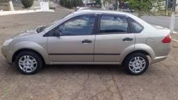 Título do anúncio: Fiesta Sedan 1.6 Flex ano 2006/2007