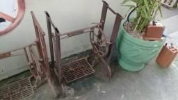 Antigo pé de maquina