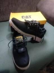 Sapato de couro caterpillar original