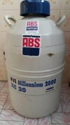 Botijão de nitrogênio para inseminação artificial