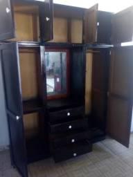 Guarda roupa casal de madeira 6 portas semi novo