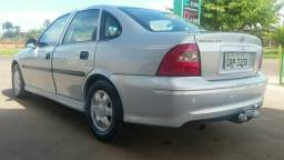 Vende se ou troca por carro de menor valor - 2001