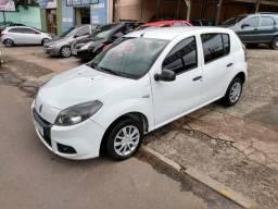 Renault Sandero 1.0 completo unico dono - 2014