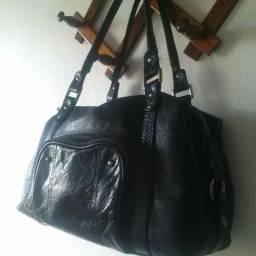 Bolsa em couro preta