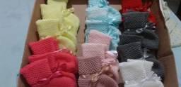 Vendo sapatinhos de tricô