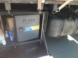 Título do anúncio: Caixa de cozinha com geladeira elber 73 litros
