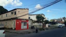 Imóvel de esquina com 4 casas residenciais e um comercio