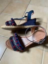 Vendo sandálias nunca usadas