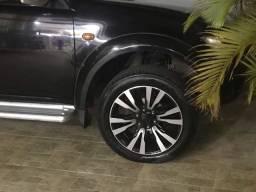 Rodas de liga com pneus