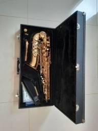 Saxofone Alto Jupter Jas 567