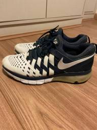 Nike Training Tenis. Branco e Azul. Tamanho 43. US 11.