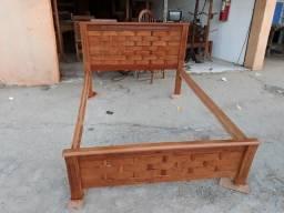 Cama de casal beliche com bicama birou comoda mesa com cadeiras