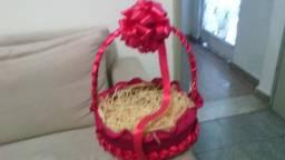 Vendo essa cesta linda pra monta cafe da manha