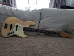 Baixo Fender Jazz Bass Reissue 62 Japonês (ano 1984)