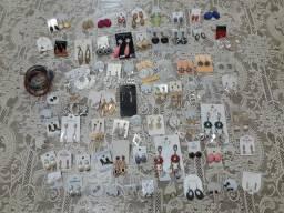 Lote de bijuterias mais de 200 peças