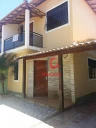 Casa duplex com ampla área externa 3 quartos com área gourmet no Village