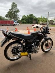 Moto cg 2000 Honda 125 preparada