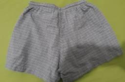 Shorts tamanho M bolsos frontais e traseiro