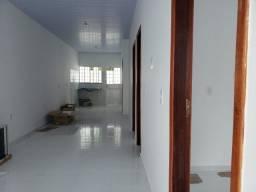 Alugo casa nova em condomínio fechado