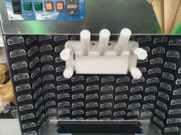 Máquina De sorvete italianinha  usada