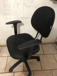 Cadeira secretaria - Muito Conservada
