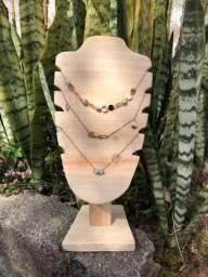 Expositor de colar, jóias e bijuterias - em madeira