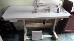 Título do anúncio: Máquina de costura reta singer