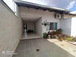 Título do anúncio: Casa com 3 quartos, completa em ármarios, no Setor Oriente Ville em Goiânia