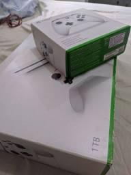 Vendo Xbox One S ou troco em um Notebook Gamer
