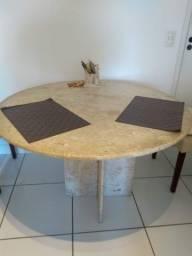 Mesa redonda em Granito!