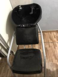 Lavatório e cadeira de manicure