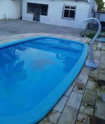 Casa de praia com piscina em peroba