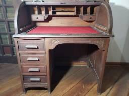 Escrivaninha antiga com4 gavetas e tampa de correr em madeira escura