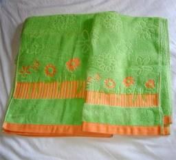 Título do anúncio: Kits toalhas tosto e banho bordadas e duas toalhas de banho Buettner
