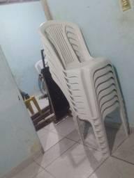 2 mesas e 8 cadeiras sem marca de uso zera!!!