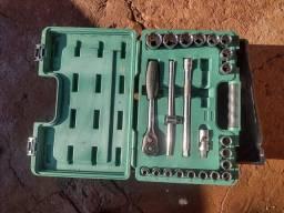 Vendo kit chave de catraca sata e parafusadeira Bosh