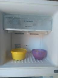 Vendo ou troco geladeira