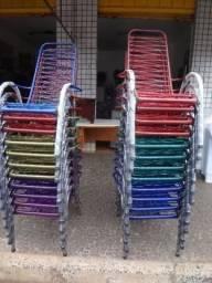 Cadeiras de fio para area