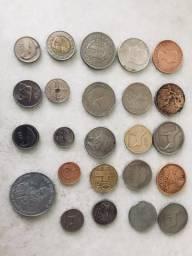 Moedas importadas e antigas para coleção