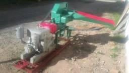 Picadeira e motor a diesel