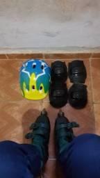 Patins, tornozeleria, cotoveleira e capacete
