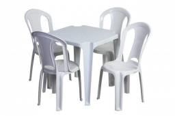 Jogo de mesa com 4 cadeiras Solplast