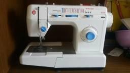 Maquina de costura Singer Nova
