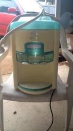 Bebedouro com filtro latina refrigerado