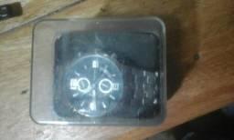 Vendo relógio mecânica todo de prata na caixa
