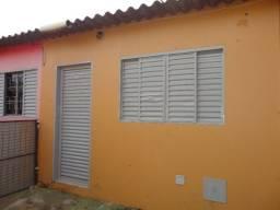 QNM 09- Excelente casa de fundos, 01 quarto, próximo ao Centro Adm. de Taguatinga