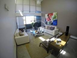 Linda cobertura duplex com 425 m², 2/4, 03 suítes, piscina na Ponta Verde. REF: V422