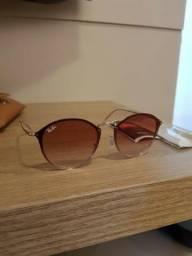 Óculos novo na caixa sem uso!
