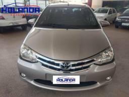 Etios sedan XLS automático
