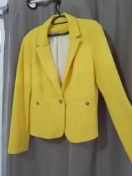 Blazer amarelo novo